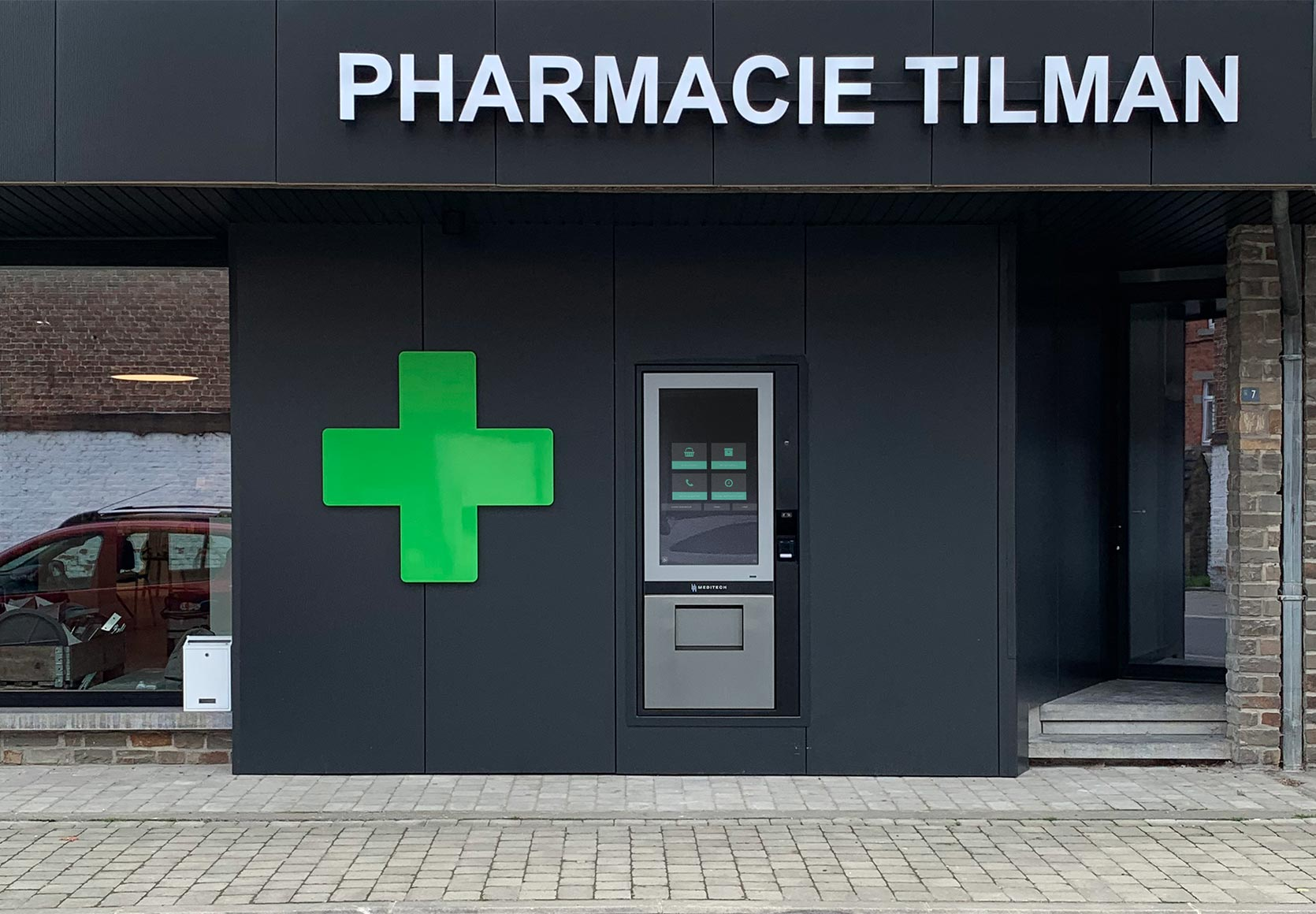 Pharmacie Tilman_wall dispenser Meditech